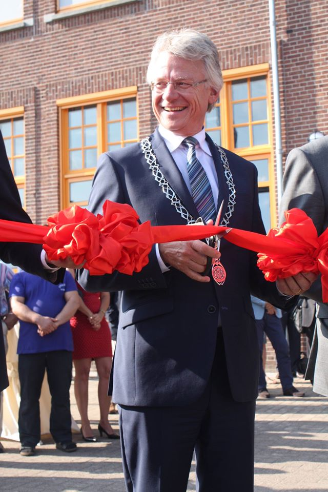 Mayor of Apeldoorn John Berends at Wittenborg University new location opening 28 August 2015