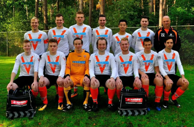 Junyeong Shin with his Apeldoorn football club, Victoria Boys