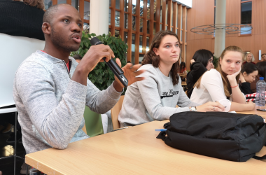 Students Share Ideas about Marketing Apeldoorn with City Officials