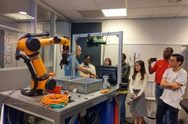 MBA Students Visit Robot Centre in Almelo
